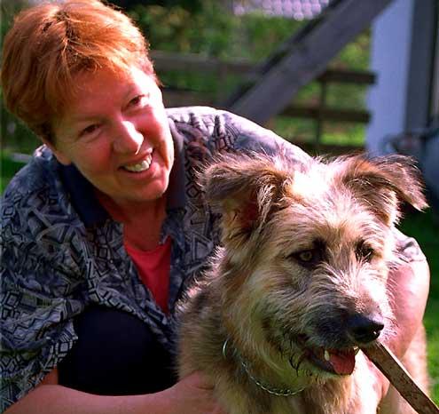 Monika Mengel mit Hund